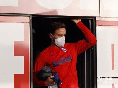 记者报道称,拜仁没有考虑引进马德里竞技中场索尔
