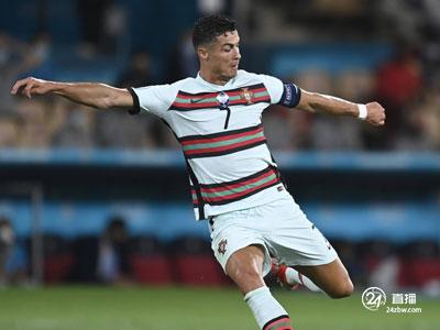 五球一助攻!罗纳尔多被选为本届欧洲杯的金靴