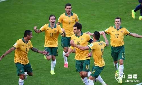 澳大利亚男足教练:李铁做得很好。中国队的防守很强