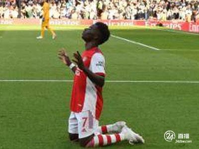 里程碑!萨卡成为在北伦敦德比中最年轻的阿森纳球员